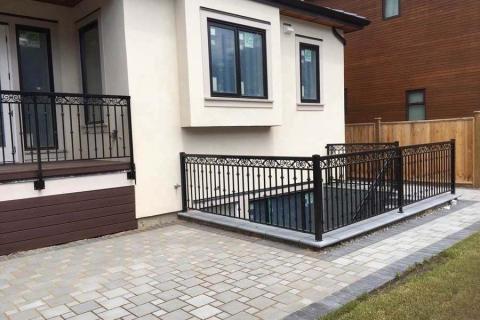 single-home-aluminum-railing-1