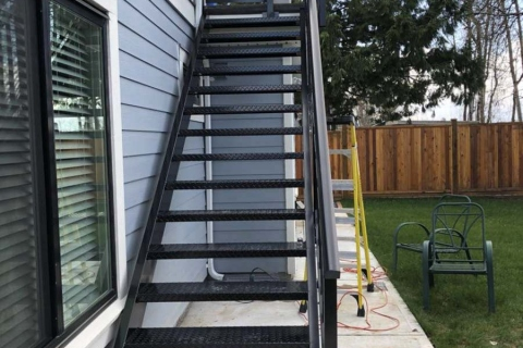 single-home-aluminum-railing-15