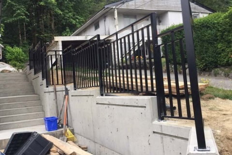 single-home-aluminum-railing-3