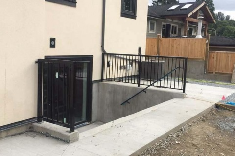single-home-aluminum-railing-4