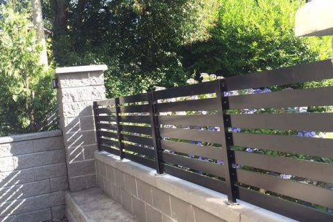 single-home-aluminum-railing-8