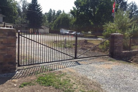 single-home-driveway-gate-2